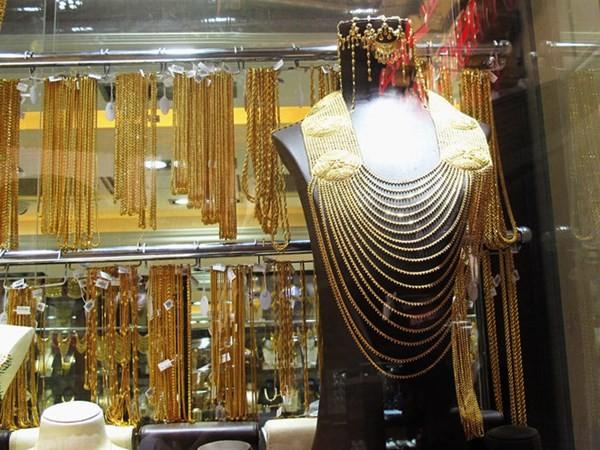 Cận cảnh khu chợ bán vàng trang sức theo kg - ảnh 5