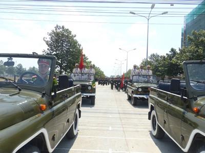 Hàng nghìn cảnh sát luyện tập cho Lễ diễu binh ngày 30/4 - ảnh 1