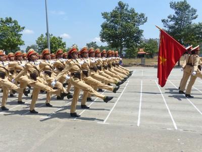 Hàng nghìn cảnh sát luyện tập cho Lễ diễu binh ngày 30/4 - ảnh 6