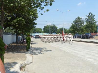 Hàng nghìn cảnh sát luyện tập cho Lễ diễu binh ngày 30/4 - ảnh 8