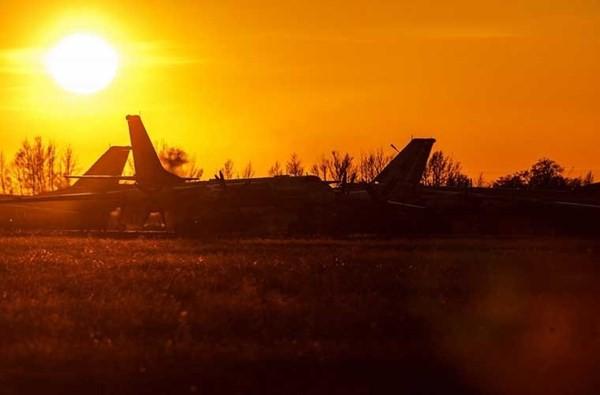 'Đột nhập' căn cứ của dàn máy bay ném bom khổng lồ Nga - ảnh 1