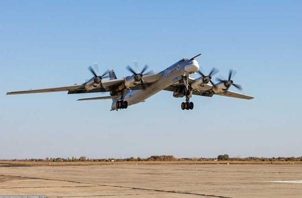 'Đột nhập' căn cứ của dàn máy bay ném bom khổng lồ Nga - ảnh 5