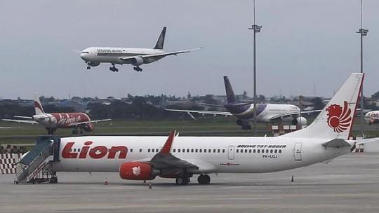 Máy bay của hãng hàng không Lion Air đậu tại sân bay Soekarno-Hatta, Jakarta - Indonesia. Ảnh: Reuters