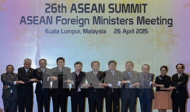 """ASEAN: Hành động của Trung Quốc """"có thể hủy hoại hòa bình"""" ở Biển Đông - ảnh 1"""