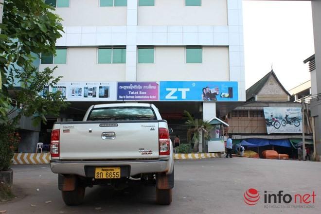 Xe đắt tiền, biển đẹp ở Lào... chỉ là đồ bình dân  - ảnh 11