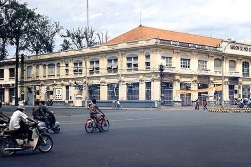 Hình ảnh xe cộ trên đường phố Sài Gòn trước 30/4/1975 - ảnh 12