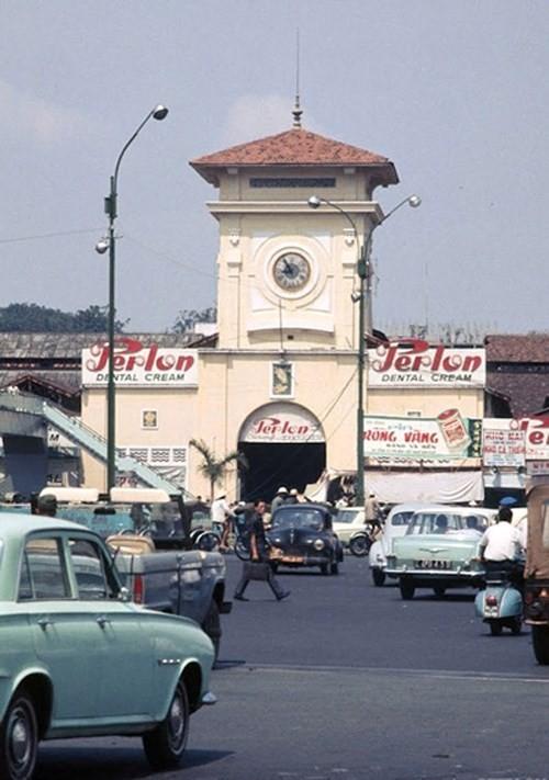 Hình ảnh xe cộ trên đường phố Sài Gòn trước 30/4/1975 - ảnh 16