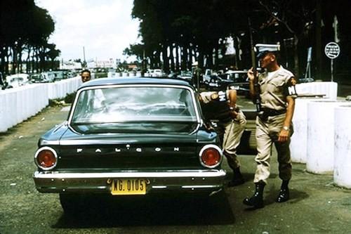 Hình ảnh xe cộ trên đường phố Sài Gòn trước 30/4/1975 - ảnh 17
