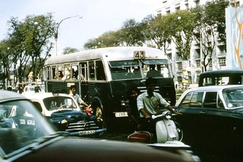 Hình ảnh xe cộ trên đường phố Sài Gòn trước 30/4/1975 - ảnh 8