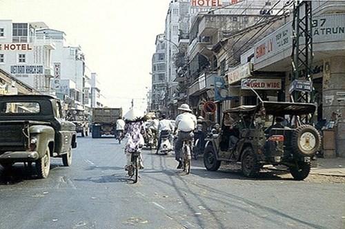 Hình ảnh xe cộ trên đường phố Sài Gòn trước 30/4/1975 - ảnh 9