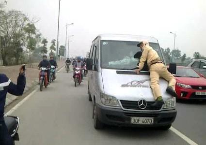 Chạy trốn, khi có hiệu lệnh dừng xe bị phạt thế nào? - ảnh 1