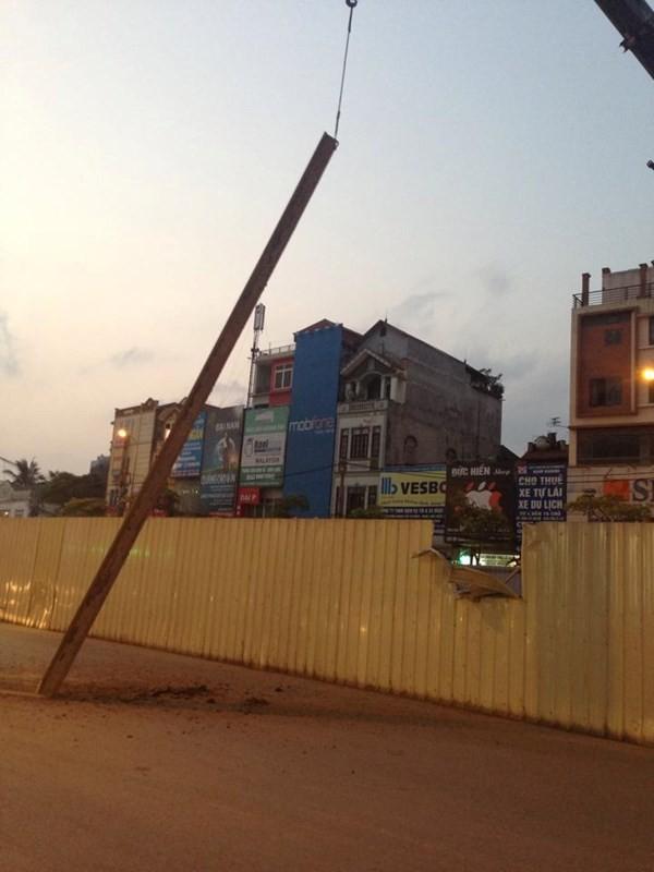 Sắt tuột cáp cẩu rơi ở tuyến đường sắt Nhổn - Ga Hà Nội - ảnh 4
