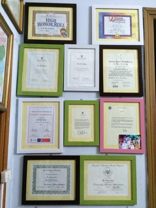 Đỗ Nhật Nam nhận được nhiều bằng khen sau thời gian học tại Mỹ.