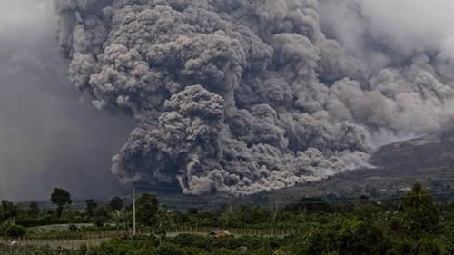 Indonesia: Núi lửa lại phun trào như ngày tận thế - ảnh 9