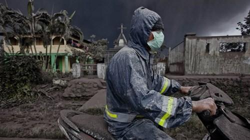 Indonesia: Núi lửa lại phun trào như ngày tận thế - ảnh 6