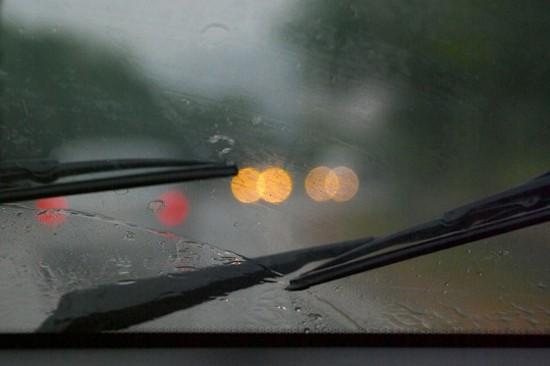Kinh nghiệm sử dụng máy lạnh ô tô mùa mưa - ảnh 1