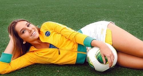 """Đưa gái vào khách sạn, Neymar gây """"bão"""" lớn - ảnh 3"""