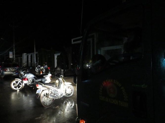 Vụ thảm sát Bình Phước: 'Đêm nay chúng tôi sẽ không ngủ'  - ảnh 1