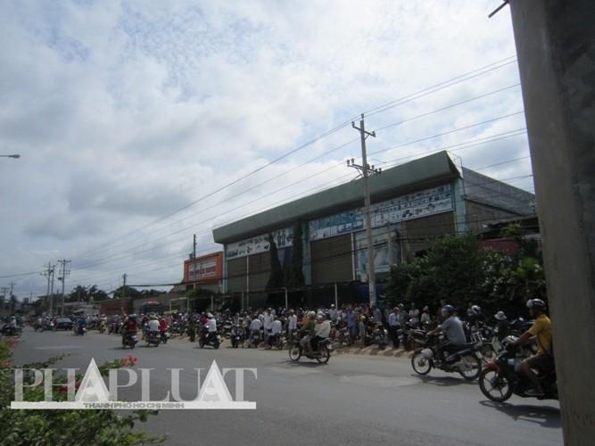 Vụ thảm sát Bình Phước: 'Đêm nay chúng tôi sẽ không ngủ'  - ảnh 24