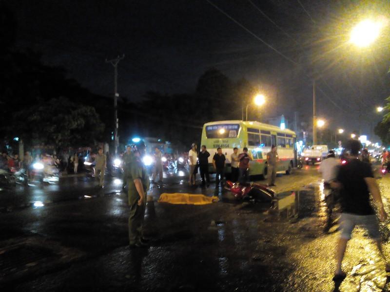 Tai nạn xe buýt, 1 người tử vong - ảnh 1