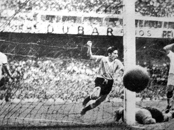 Huyền thoại bóng đá Uruguay qua đời tuổi 88 - ảnh 1