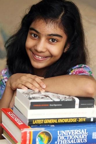 Bé gái 12 tuổi có IQ cao hơn thiên tài Einstein - ảnh 1