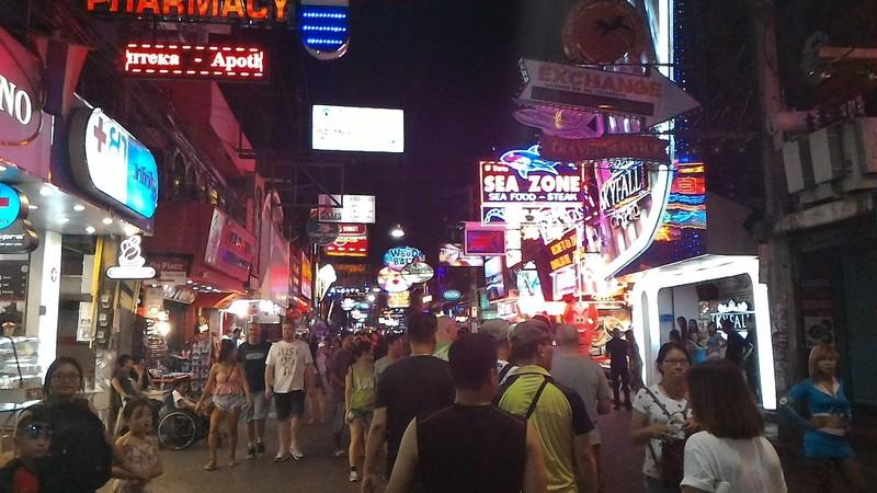 Đừng thắc mắc vì sao Việt Nam thua Thái Lan về du lịch - ảnh 1