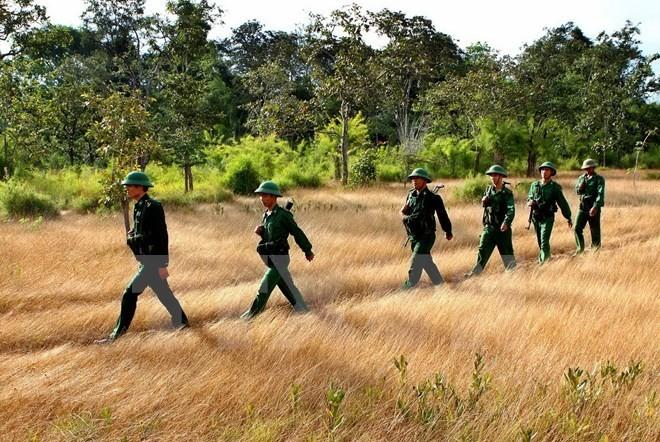 Bảo vệ vững chắc chủ quyền tuyến biên giới Việt Nam-Campuchia - ảnh 1