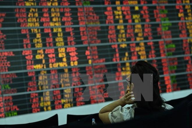 Quan ngại về kinh tế toàn cầu, chứng khoán châu Á ngập trong sắc đỏ - ảnh 1