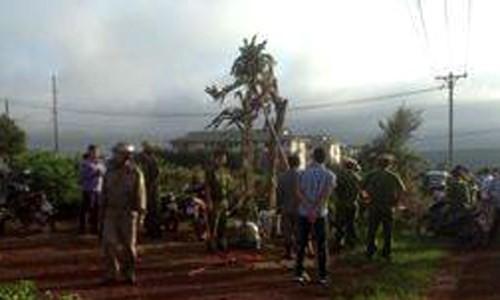 Đang bới tìm xác nạn nhân vụ giết người hàng loạt ở Lâm Đồng - ảnh 1