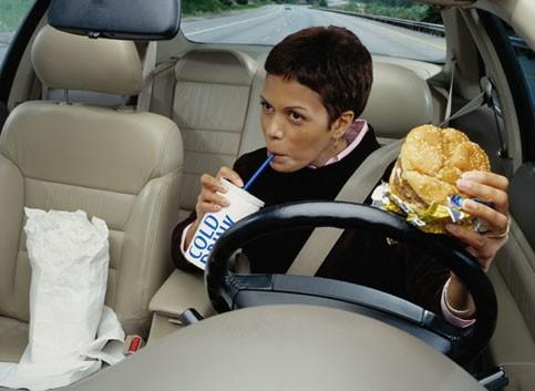 Mệt mỏi khi lái xe ô tô: Nguy hiểm chết người - ảnh 3