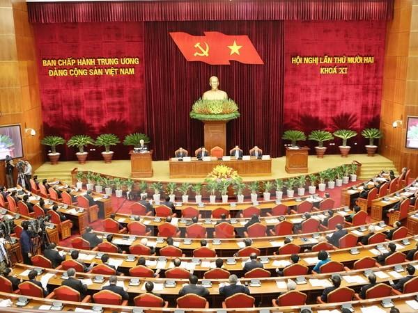 Ngày làm việc đầu tiên Hội nghị lần thứ 12 Ban Chấp hành TW Đảng - ảnh 1