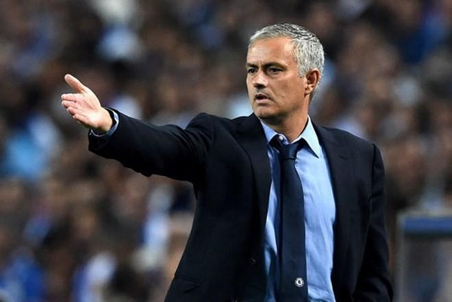 """Tiết lộ số tiền """"siêu khủng"""" mà Mourinho sẽ nhận nếu bị sa thải - ảnh 1"""