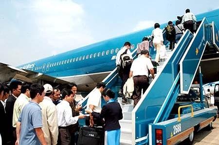 Cấm bay vĩnh viễn hành khách gây bạo loạn  - ảnh 1