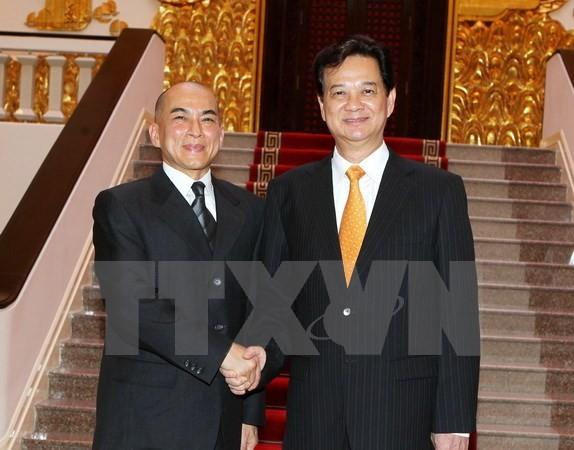 Quốc vương Campuchia Norodom Sihamoni sắp sang thăm Việt Nam - ảnh 1