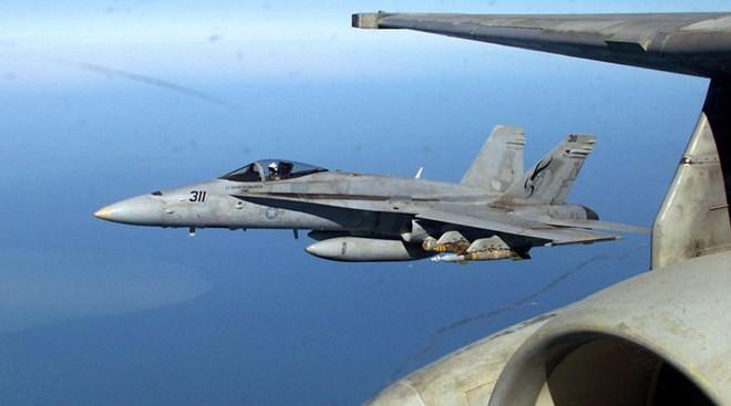 Chiến đấu cơ F-18 của Mỹ nổ tung ở Anh, phi công tử nạn - ảnh 1