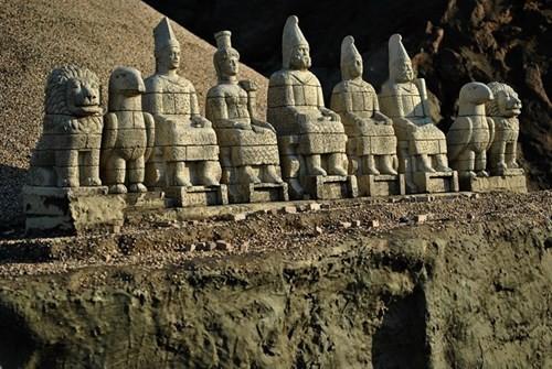 Bí ẩn lăng mộ khổng lồ 2.000 tuổi ở Thổ Nhĩ Kỳ - ảnh 9