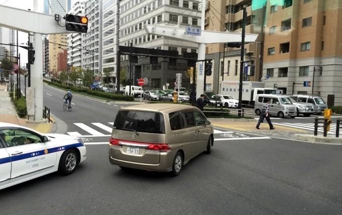 Sang Nhật càng xấu hổ cho kiểu lái ôtô Việt Nam - ảnh 6
