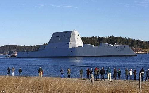 """Choáng ngợp với tàu khu trục """"khủng"""" giá 4,4 tỷ USD của Mỹ - ảnh 2"""