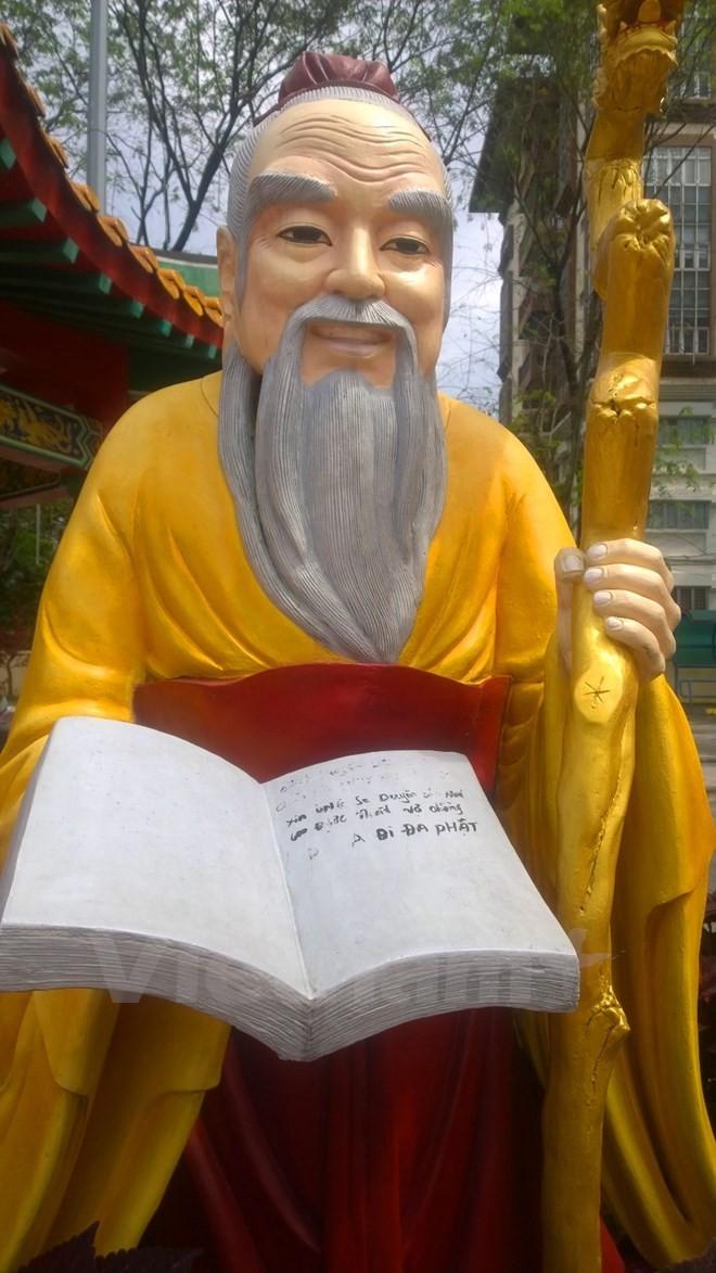Người Việt 'nhiều chữ' và hành động tự bêu xấu ở Kuala Lumpur - ảnh 2