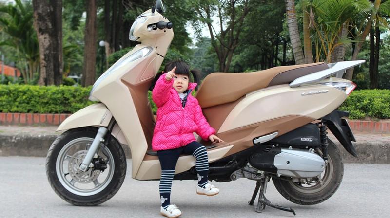 7 điều lưu ý an toàn khi chở bé đi xe máy - ảnh 1