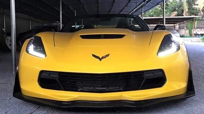 Chevrolet Corvette C7 Z06 Convertible đầu tiên cập bến Việt Nam - ảnh 1