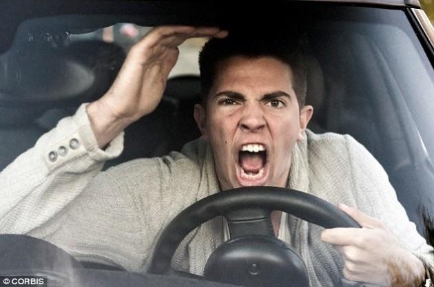 Những kiểu người ai cũng ghét khi chạy xe trên đường - ảnh 4