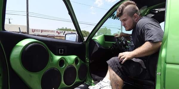 Những kiểu người ai cũng ghét khi chạy xe trên đường - ảnh 11