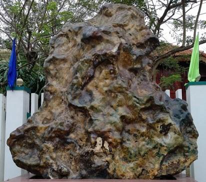 Báu vật đá quý 14 tấn của đại gia Quảng Nam - ảnh 1