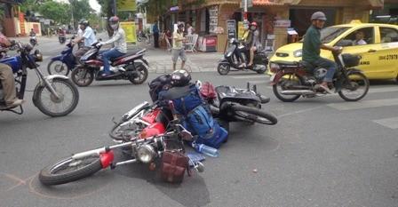 Bỏ xe vi phạm luật giao thông, có bị phạt? - ảnh 1
