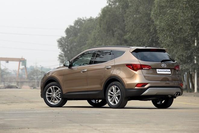 Hyundai SantaFe 2016 giá từ 1,1 tỷ đồng
