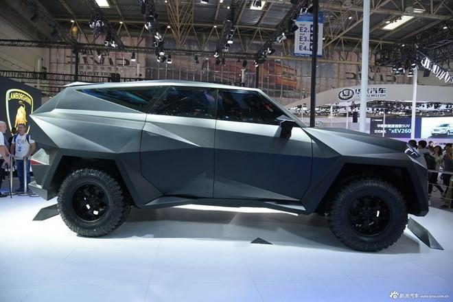 Siêu xe 'lập dị' IAT Kalman của Trung Quốc có giá bán lè lưỡi - ảnh 4