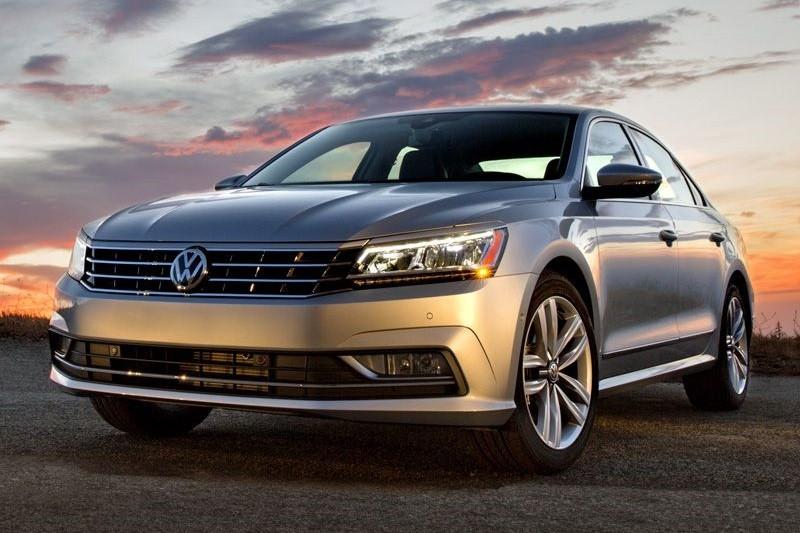 8 mẫu sedan hạng trung tiết kiệm nhiên liệu nhất năm 2016 - ảnh 9