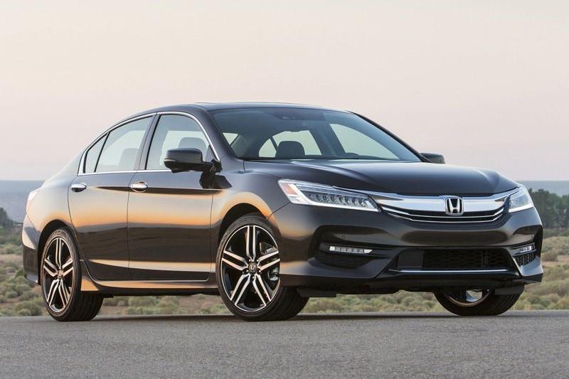 8 mẫu sedan hạng trung tiết kiệm nhiên liệu nhất năm 2016 - ảnh 7